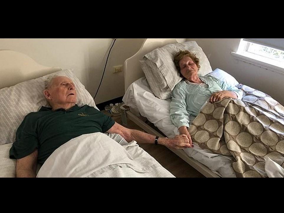 Após 70 anos juntos, casal morre de mãos dadas com hora idêntica no atestado de óbito