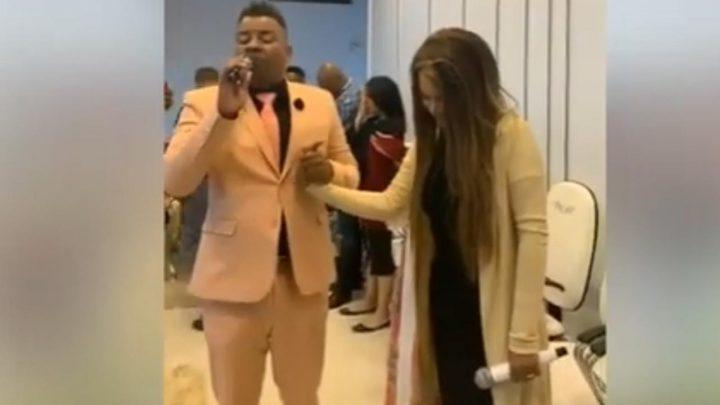 Em seu primeiro show, Flordelis recebe profecia assustadora que intrigou Pastores