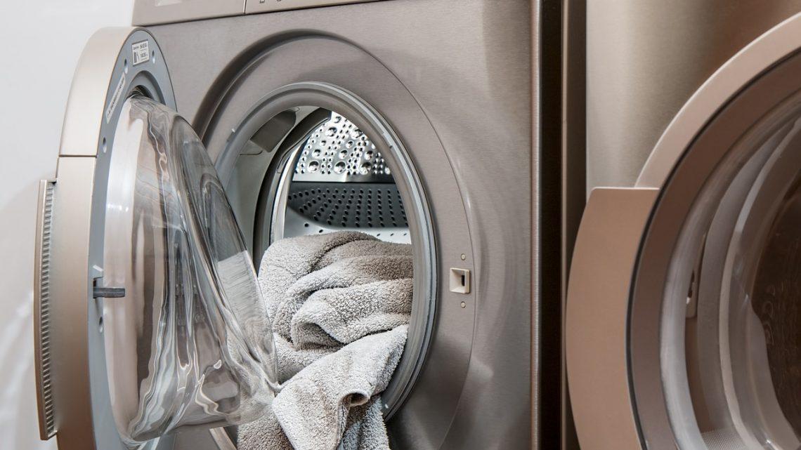 Adolescente de 15 anos morre eletrocutada enquanto lavava roupa